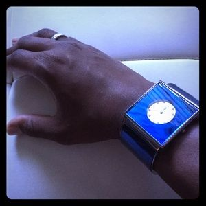 Accessories - Electric blue timepiece